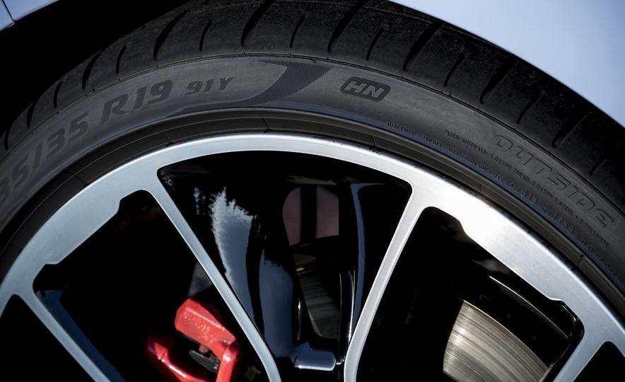 2018 Hyundai i30N (Euro-spec) - Slide 21