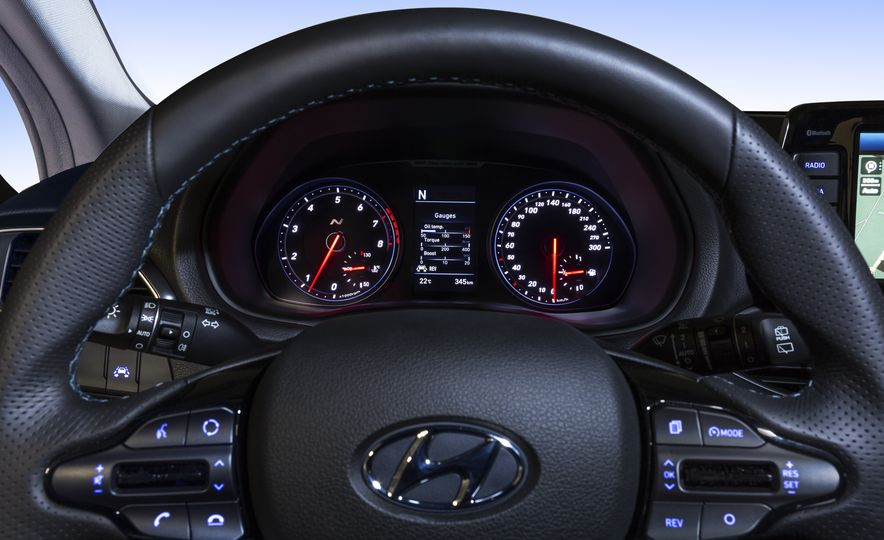 2018 Hyundai i30N (Euro-spec) - Slide 26