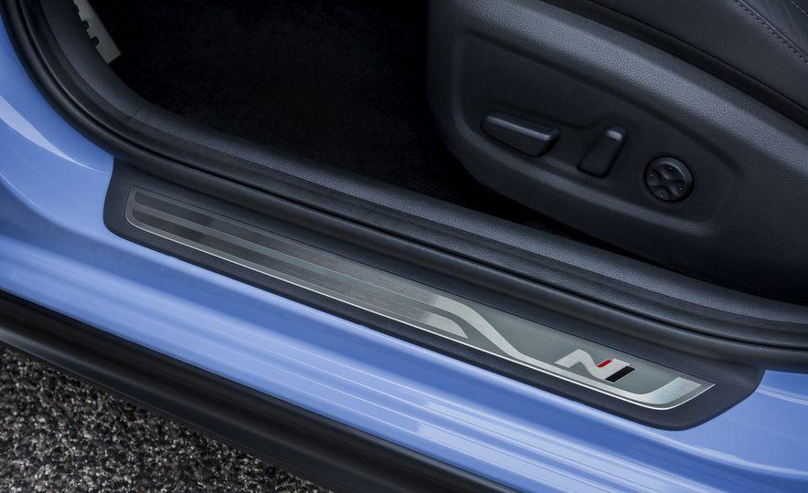 2018 Hyundai i30N (Euro-spec) - Slide 28