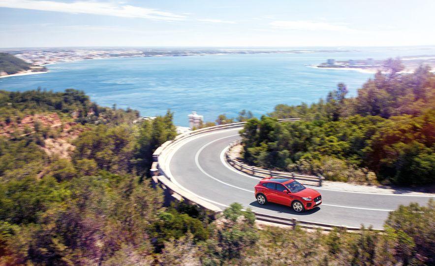 2018 Jaguar E-Pace - Slide 7