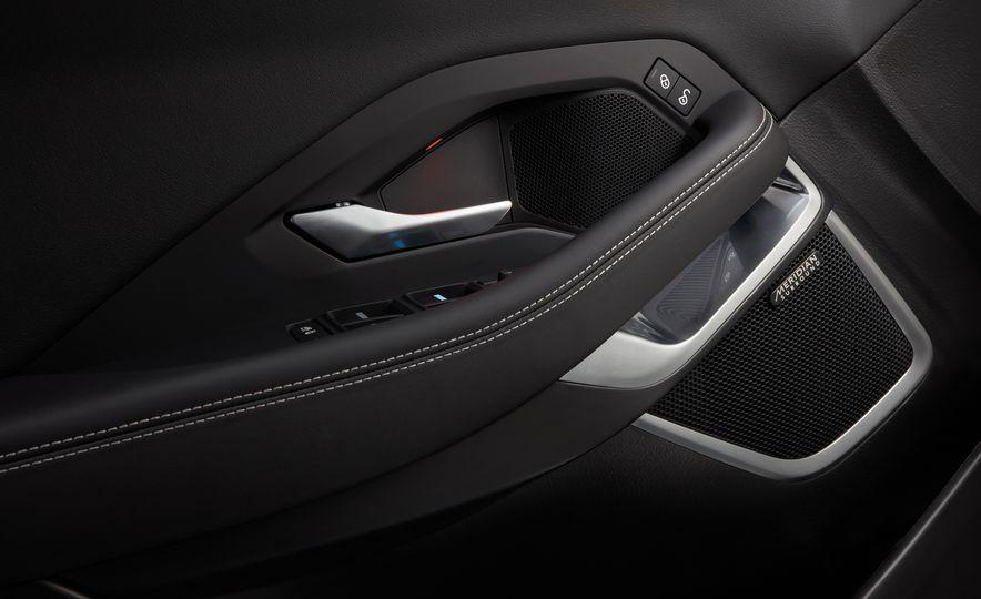 2018 Jaguar E-Pace - Slide 43