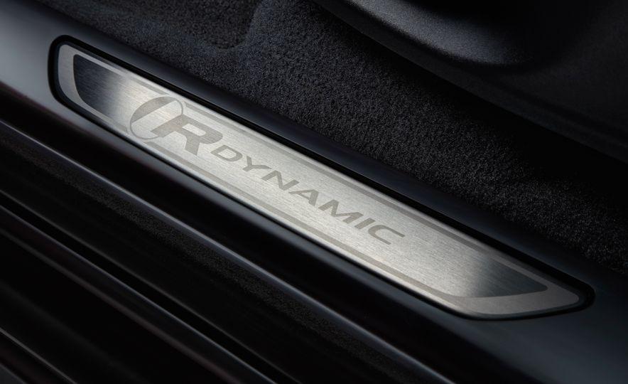 2018 Jaguar E-Pace - Slide 45