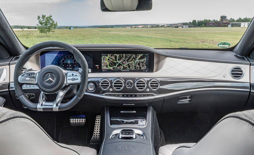 2018 Mercedes-AMG S63 - Slide 15