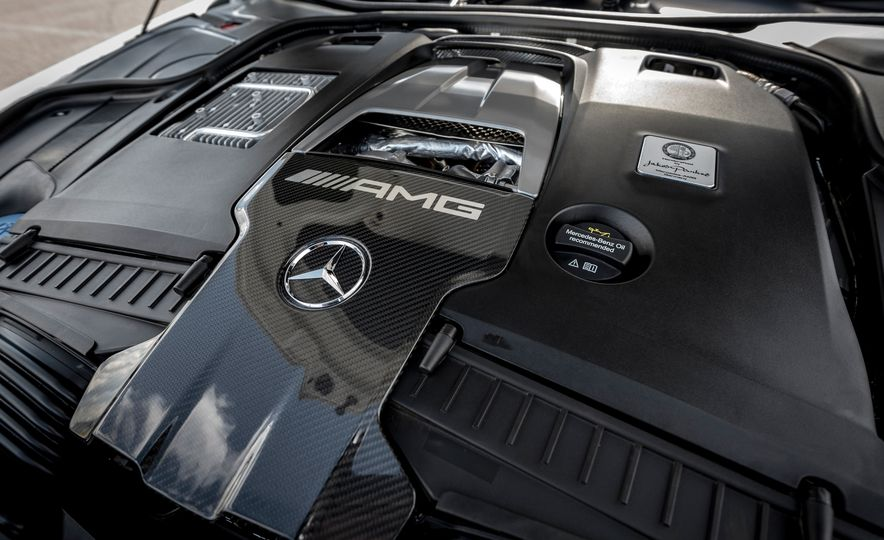 2018 Mercedes-AMG S63 - Slide 24
