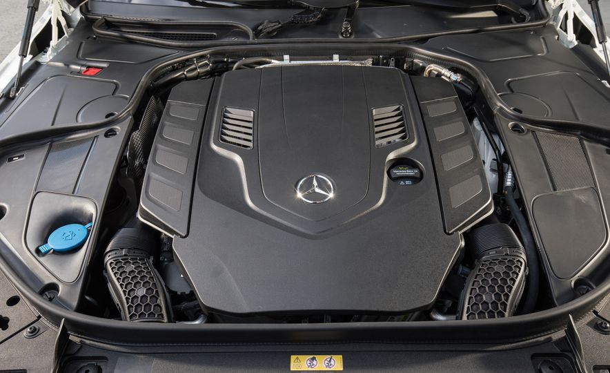 2018 Mercedes-AMG S63 - Slide 100