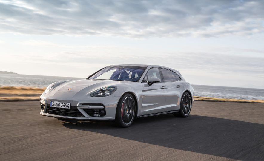 2018 Porsche Panamera Sport Turismo - Slide 55