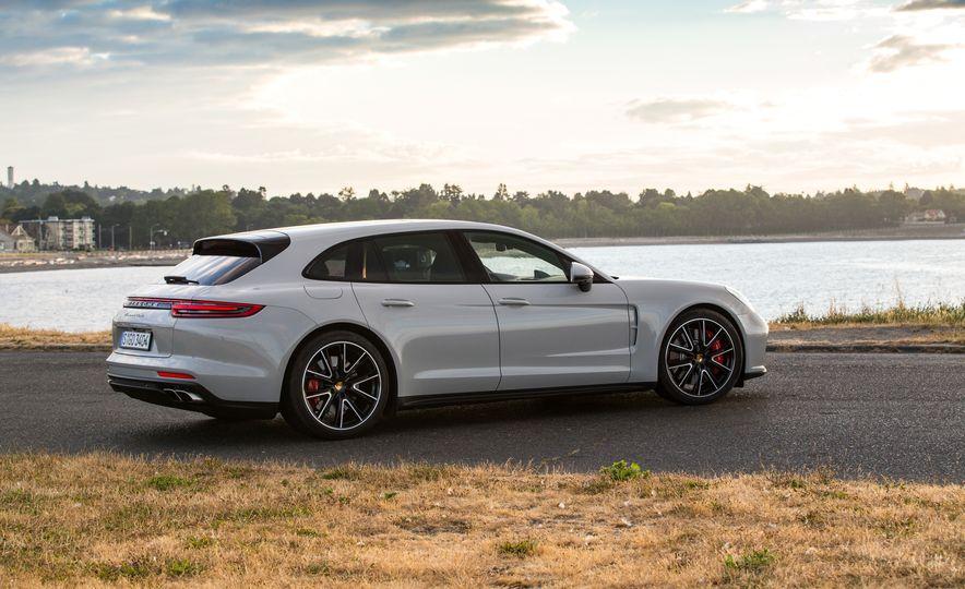 2018 Porsche Panamera Sport Turismo - Slide 59
