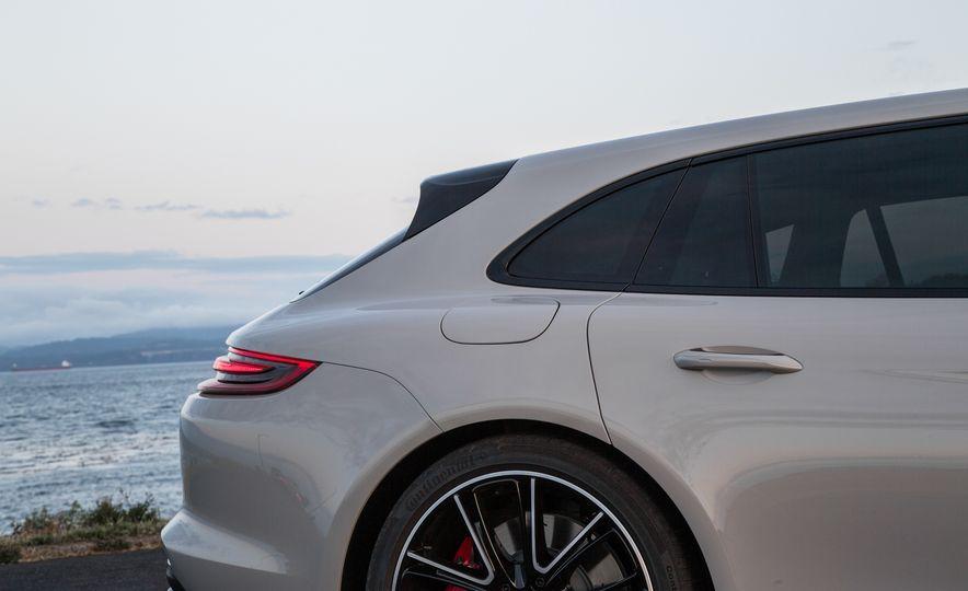2018 Porsche Panamera Sport Turismo - Slide 61