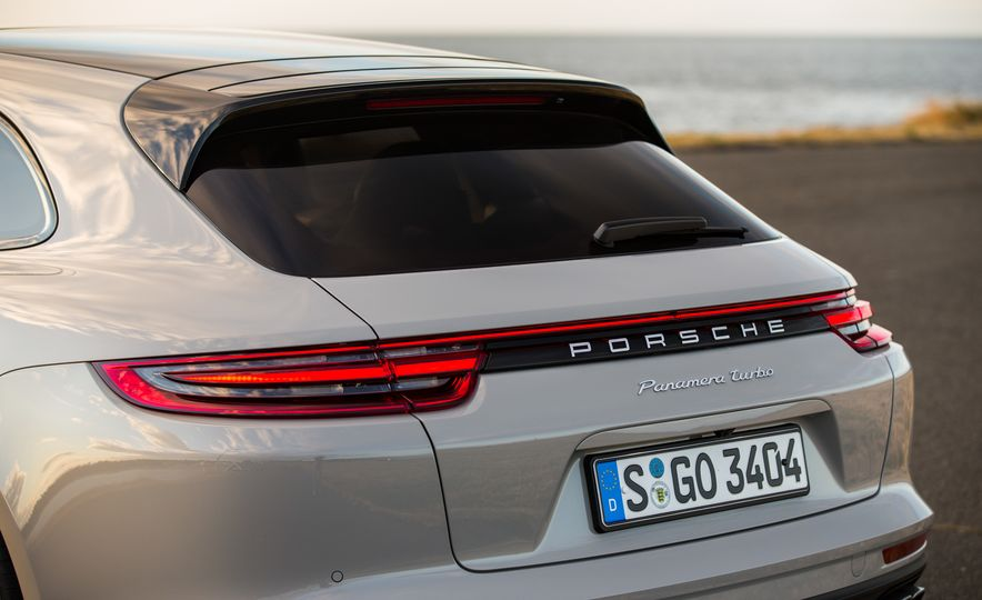 2018 Porsche Panamera Sport Turismo - Slide 62