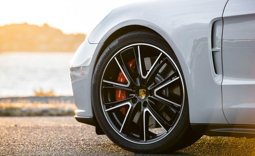 2018 Porsche Panamera Sport Turismo - Slide 63