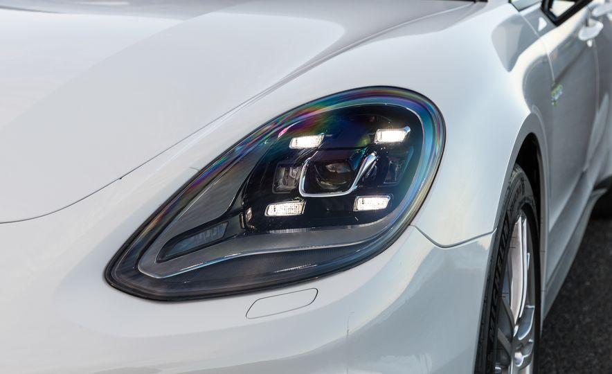 2018 Porsche Panamera Sport Turismo - Slide 91