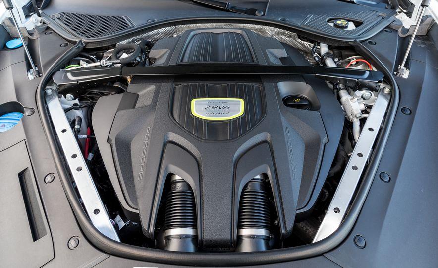 2018 Porsche Panamera Sport Turismo - Slide 98