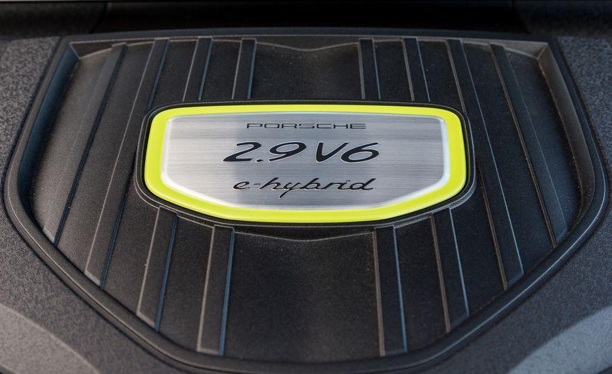 2018 Porsche Panamera Sport Turismo - Slide 99