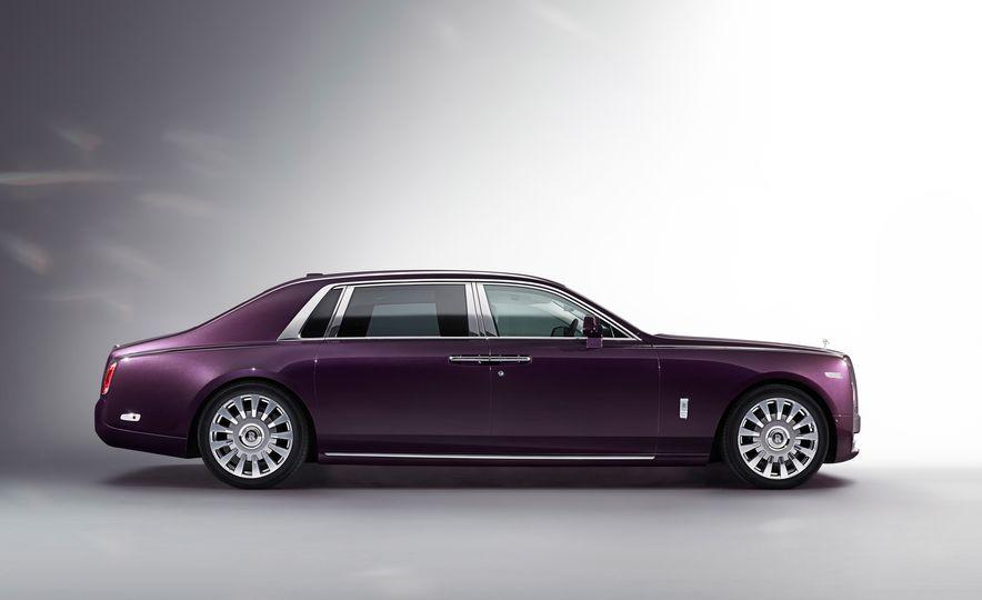 2018 Rolls-Royce Phantom LWB - Slide 1