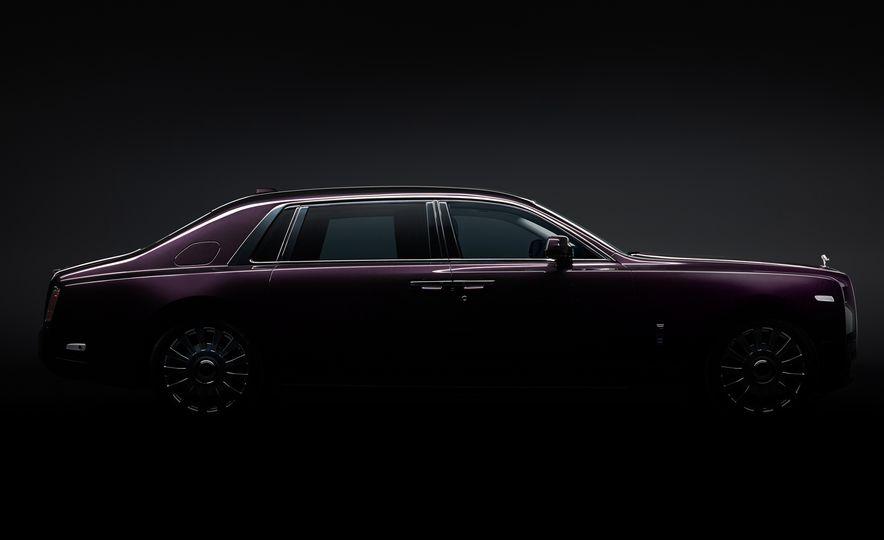 2018 Rolls-Royce Phantom LWB - Slide 2