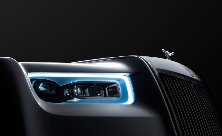 2018 Rolls-Royce Phantom LWB - Slide 19