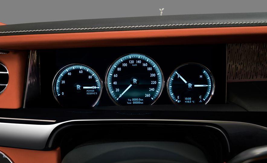 2018 Rolls-Royce Phantom LWB - Slide 32