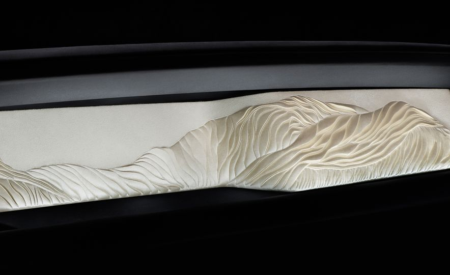 2018 Rolls-Royce Phantom LWB - Slide 35
