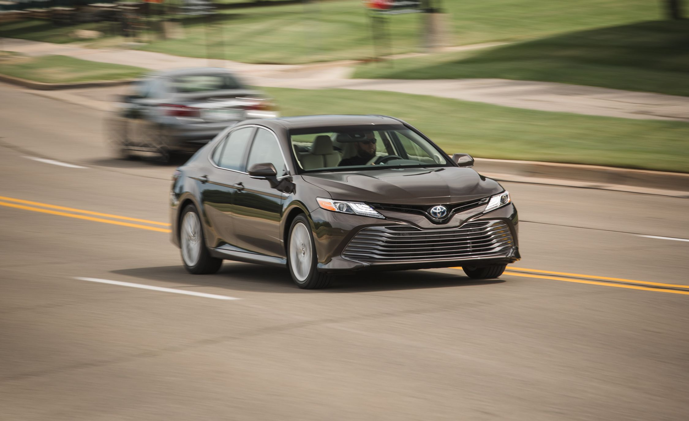 2018 toyota xle. delighful toyota toyota camry reviews  price photos and specs car  driver throughout 2018 toyota xle