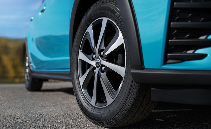 2018 Toyota Prius C - Slide 7