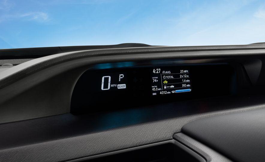 2018 Toyota Prius C - Slide 11