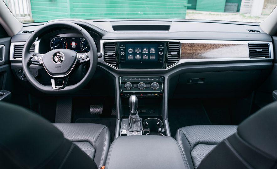 2017 Mazda CX-9 Signature AWD, 2017 GMC Acadia Denali AWD, 2018 Volkswagen Atlas SEL Premium 4MOTION, 2017 Dodge Durango GT AWD, and 2017 Honda Pilot Elite AWD - Slide 45