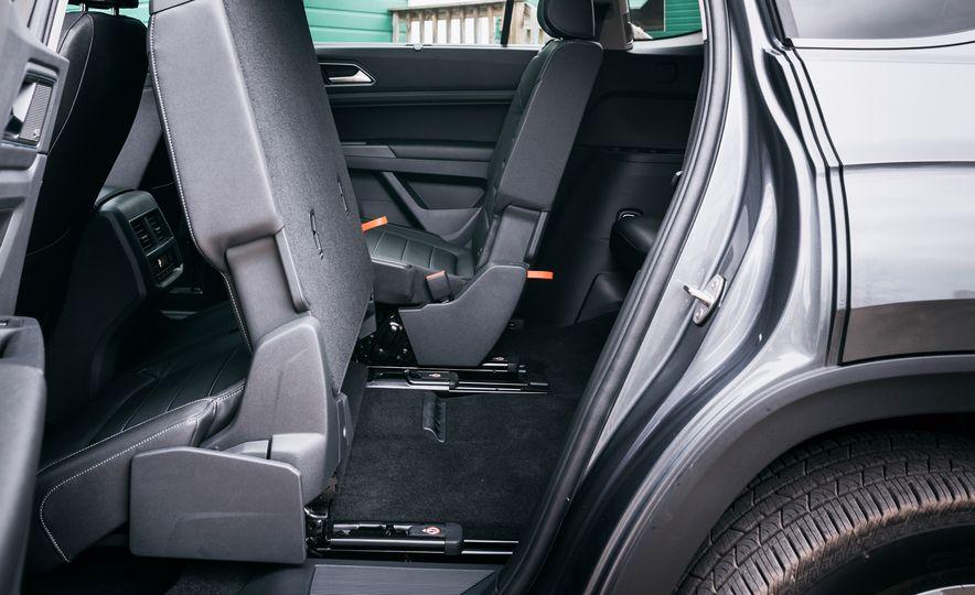 2017 Mazda CX-9 Signature AWD, 2017 GMC Acadia Denali AWD, 2018 Volkswagen Atlas SEL Premium 4MOTION, 2017 Dodge Durango GT AWD, and 2017 Honda Pilot Elite AWD - Slide 49