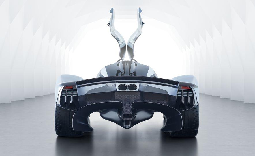 Aston Martin Valkyrie - Slide 8