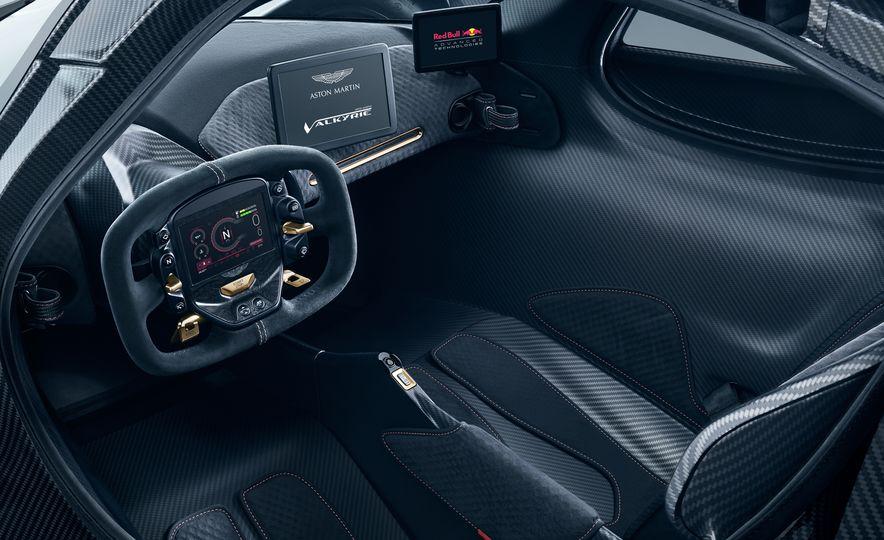 Aston Martin Valkyrie - Slide 10