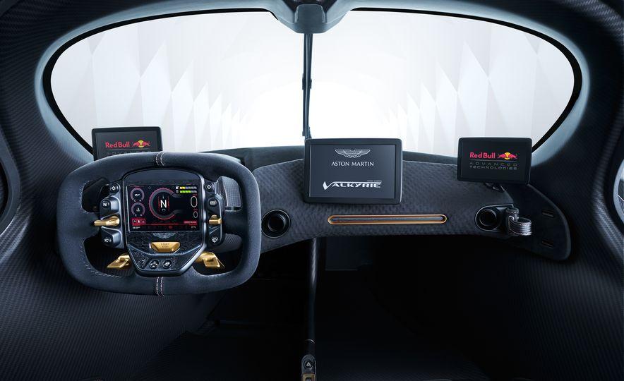 Aston Martin Valkyrie - Slide 16