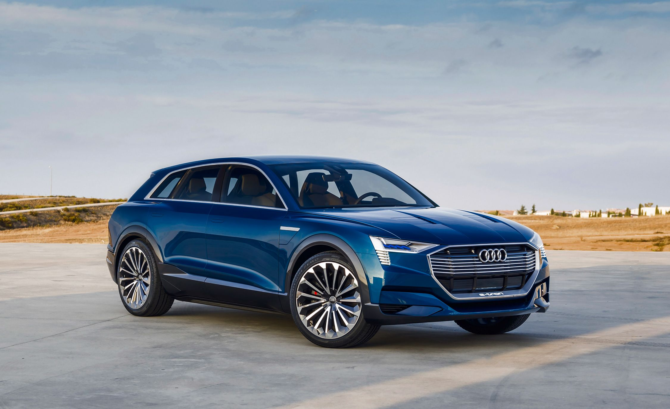 Audi-e-tron-concept-205