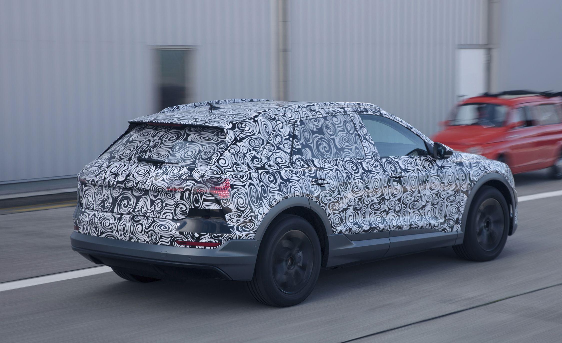 Audi-e-tron-spy-photo-102