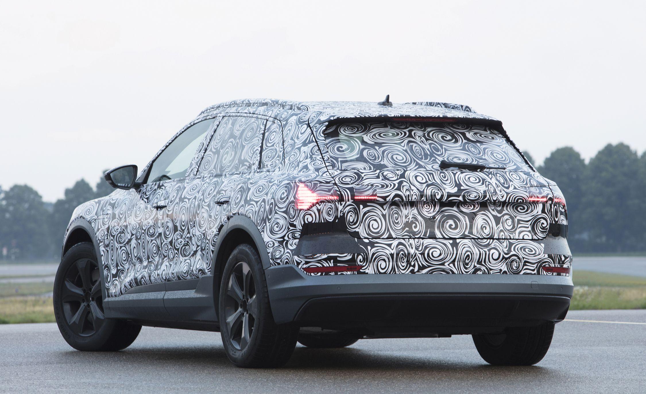 Audi-e-tron-spy-photo-104