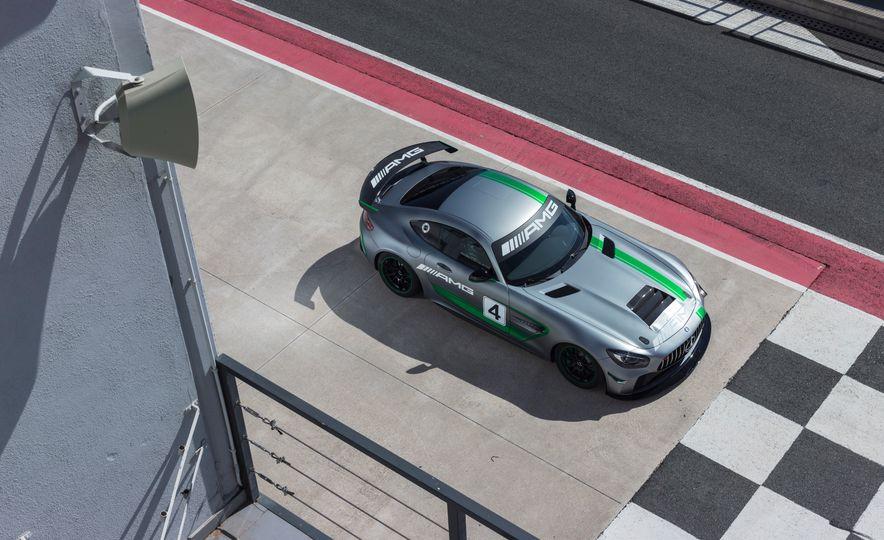 Mercedes-AMG GT4 race car - Slide 2