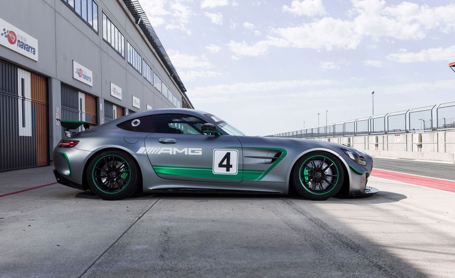 Mercedes-AMG GT4 race car - Slide 5