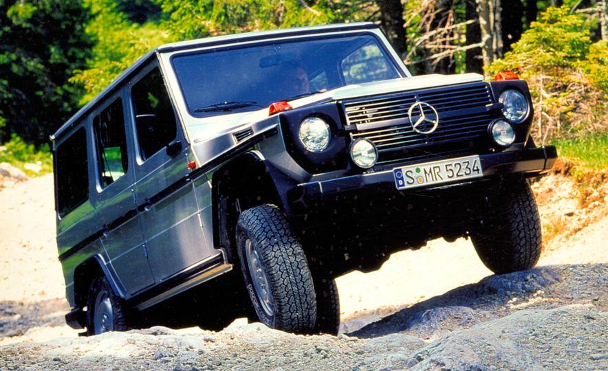 Mercedes-Benz 230 G - Slide 6