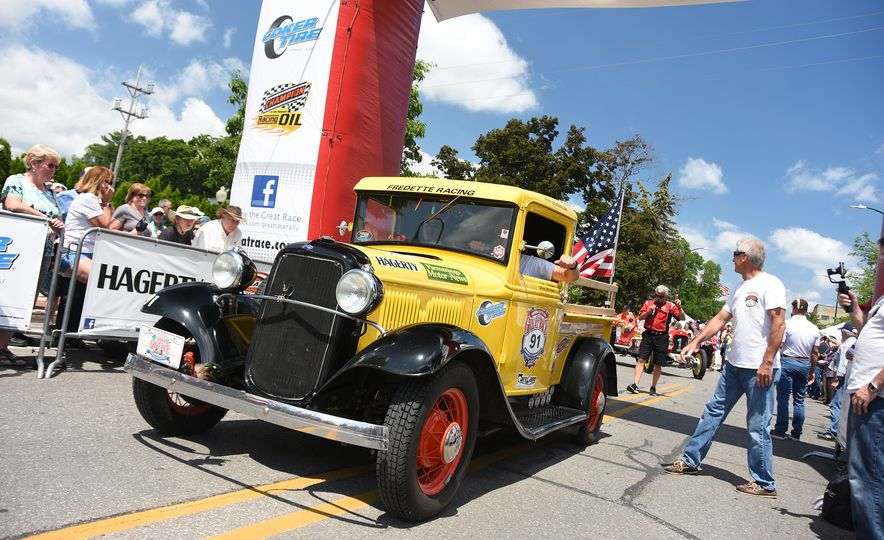 Go Out and Play: Museum-Eligible Vintage Cars That Race Cross-Country Instead - Slide 23