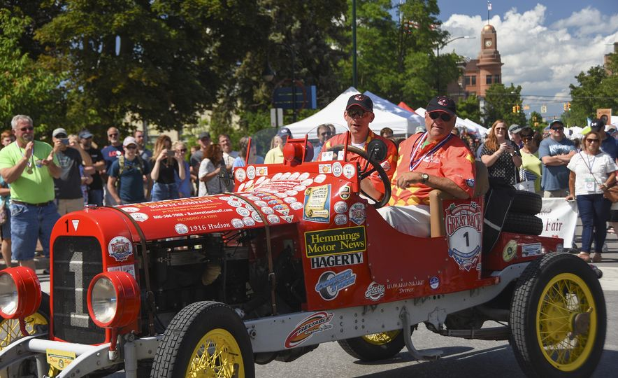 Go Out and Play: Museum-Eligible Vintage Cars That Race Cross-Country Instead - Slide 21
