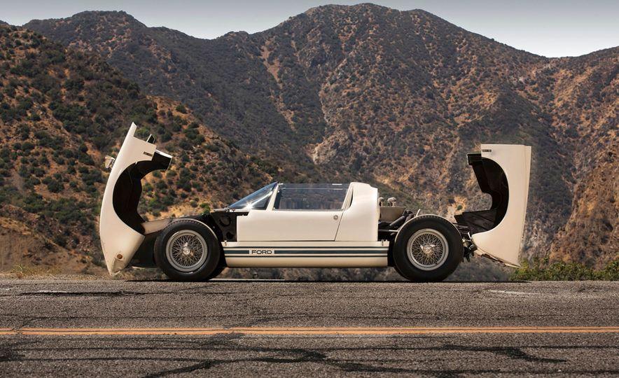 1965 Ford GT40 Roadster - Slide 6