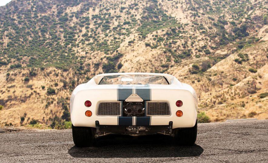 1965 Ford GT40 Roadster - Slide 8
