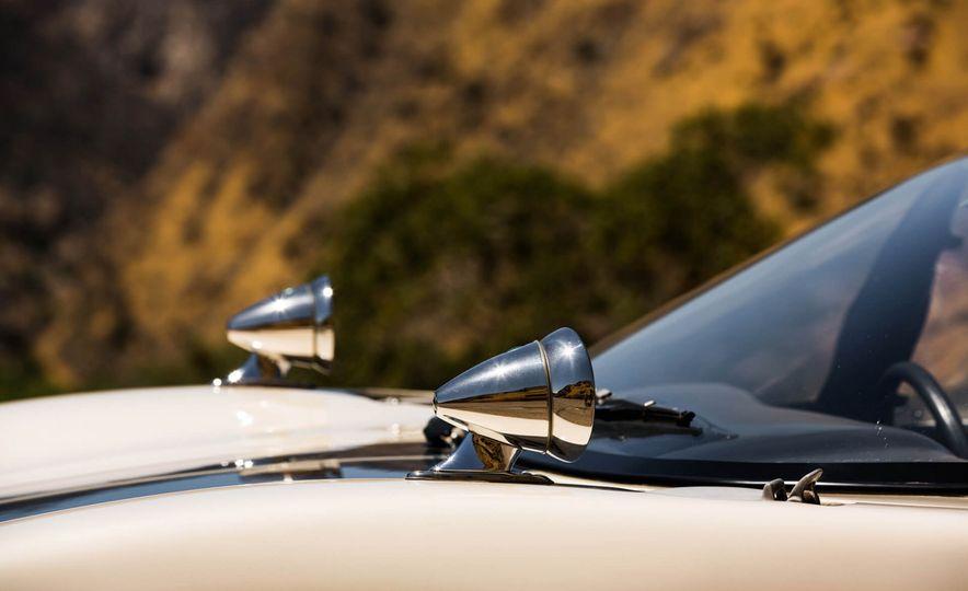 1965 Ford GT40 Roadster - Slide 12
