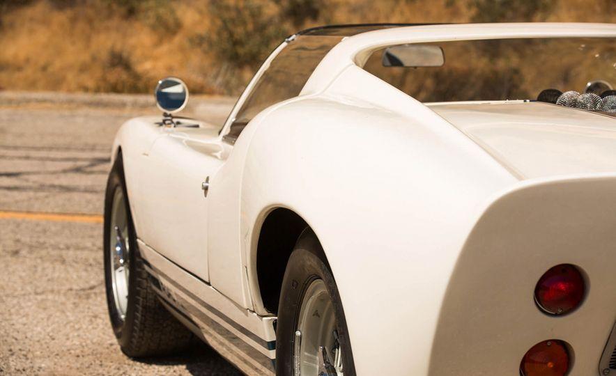 1965 Ford GT40 Roadster - Slide 13