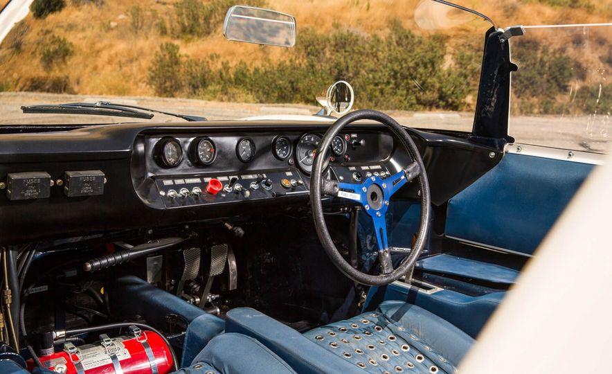 1965 Ford GT40 Roadster - Slide 15