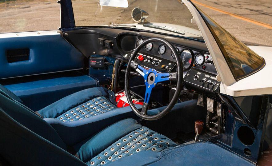 1965 Ford GT40 Roadster - Slide 17