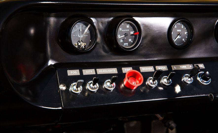 1965 Ford GT40 Roadster - Slide 20
