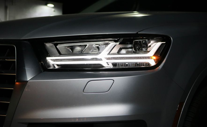 2017 Audi Q7 - Slide 27