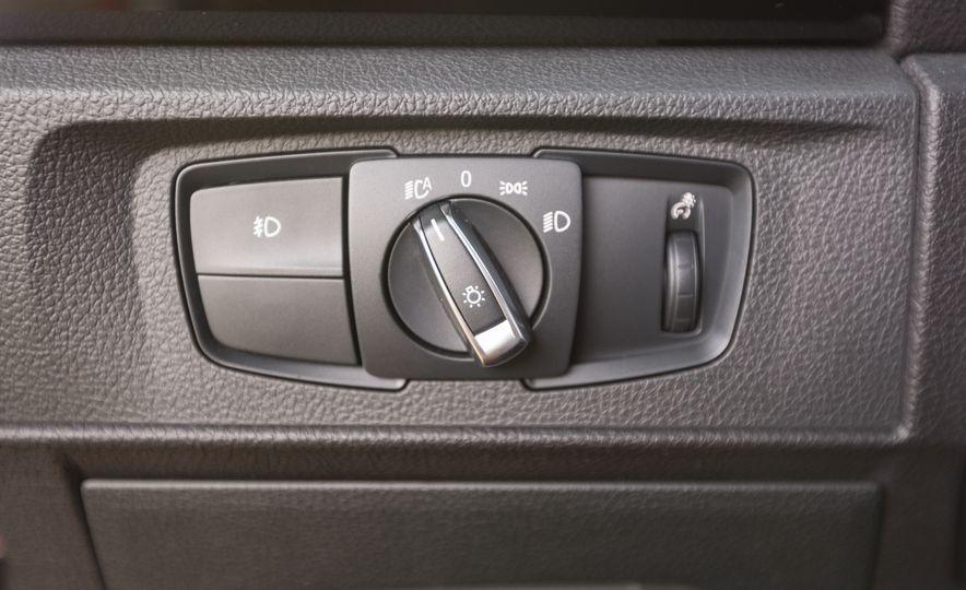 2017 BMW 230i xDrive - Slide 29