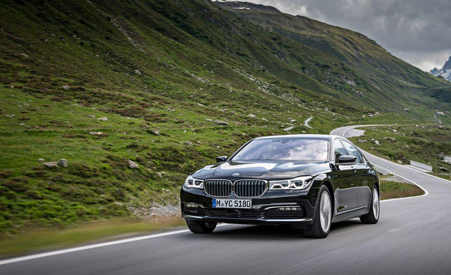 2017 BMW 740Le (Euro-spec) - Slide 4