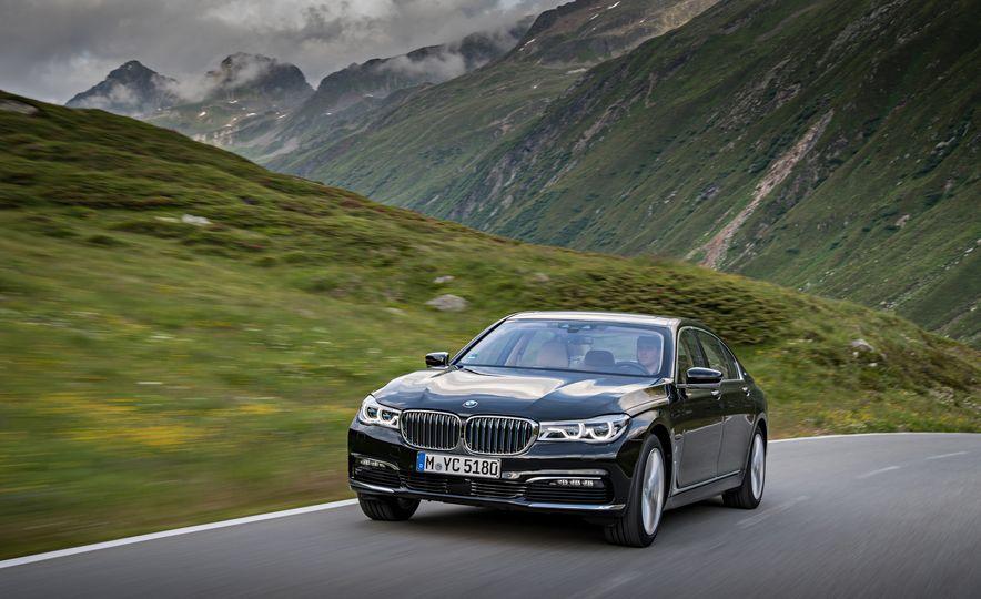 2017 BMW 740Le (Euro-spec) - Slide 7