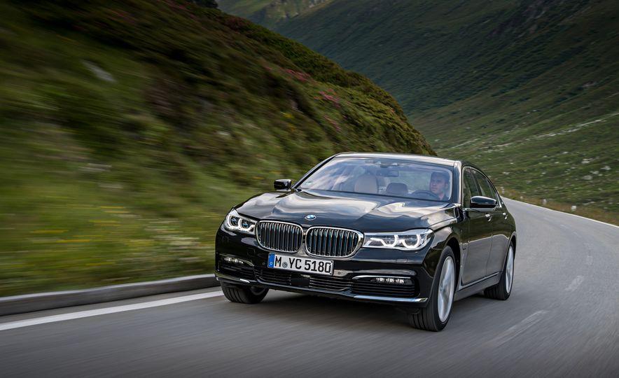 2017 BMW 740Le (Euro-spec) - Slide 8